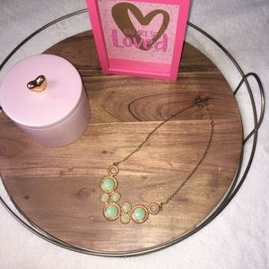Jewelry - Mint bib necklace